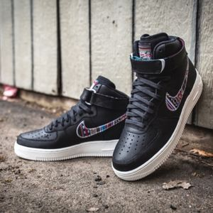 Men's Nike Air Force 1 LV8 High (Size 8.5)